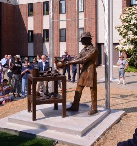 Union Savings Bank unveiled a monument to hatters in celebration of Danbury's history as part of the bank's sesquicentennial celebration.